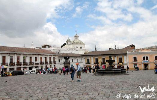 La Plaza de San Francisco, Quito, Ecuador