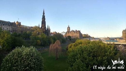 Vistas al Castillo de Edimburgo desde la Ciudad Nueva