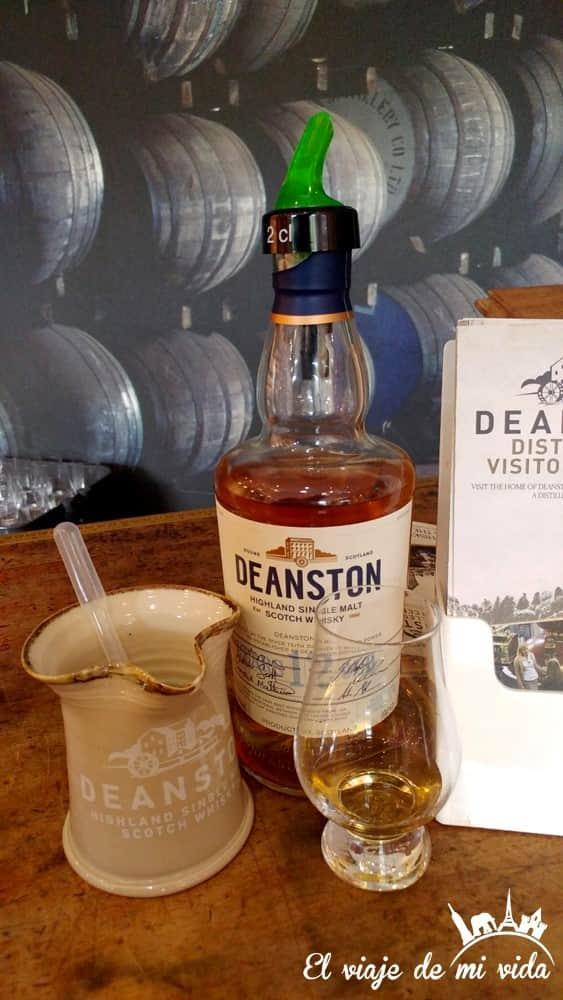 Destilería Deanston en Escocia