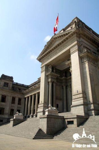 El Parlamento Peruano en Lima