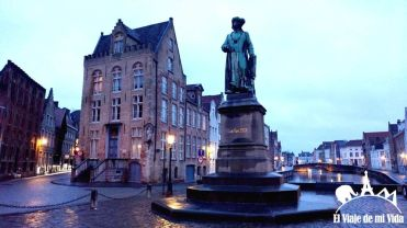 Plaza Van Eyck