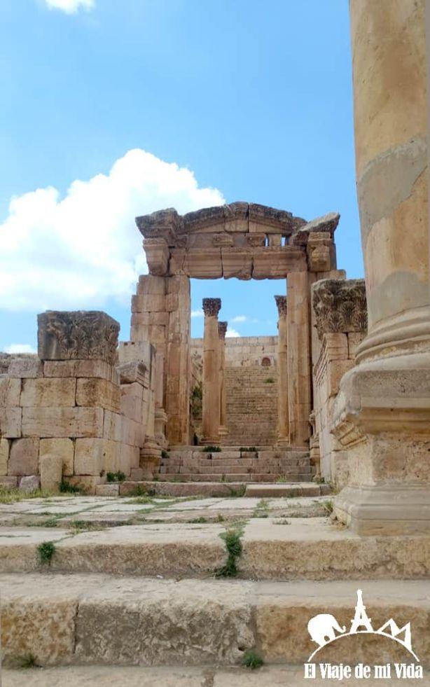 Puerta al Templo de Artemisa