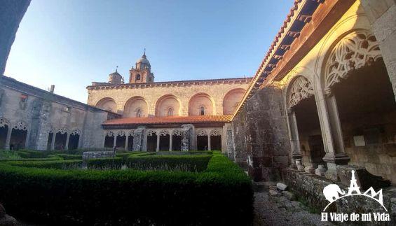 Claustro de la Colegiata de Santa María