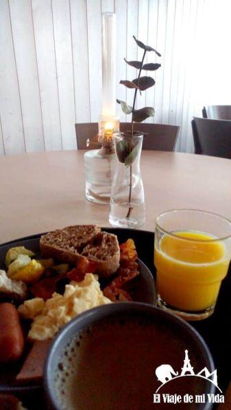 Desayuno en Camp Ripan