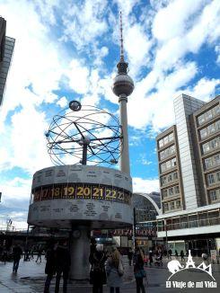 Alexanderplatz y la torre de televisión