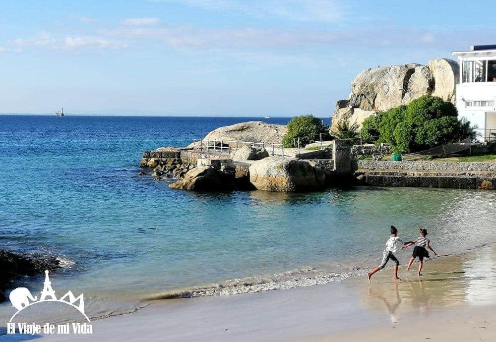 Playa gratuita de Boulders Beach
