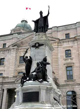 Monumento a François Laval