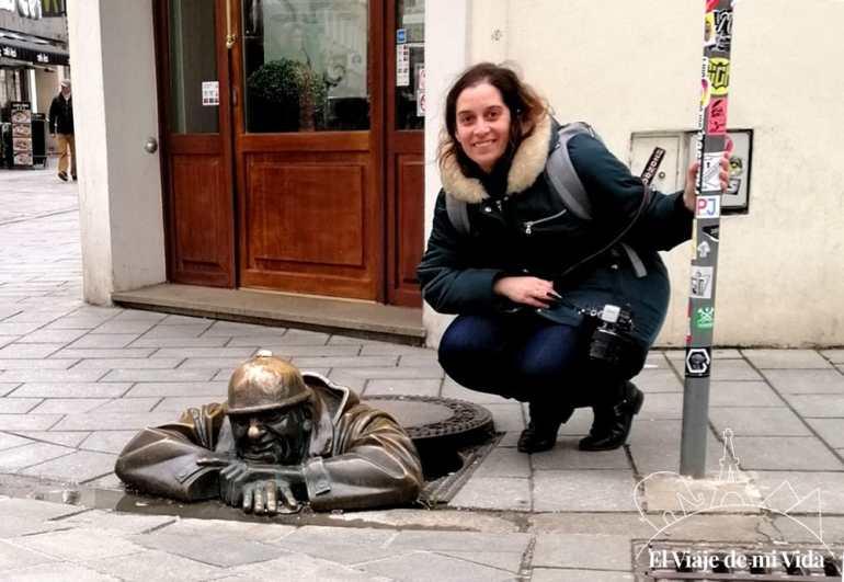 Estatua Man At Work en Bratislava