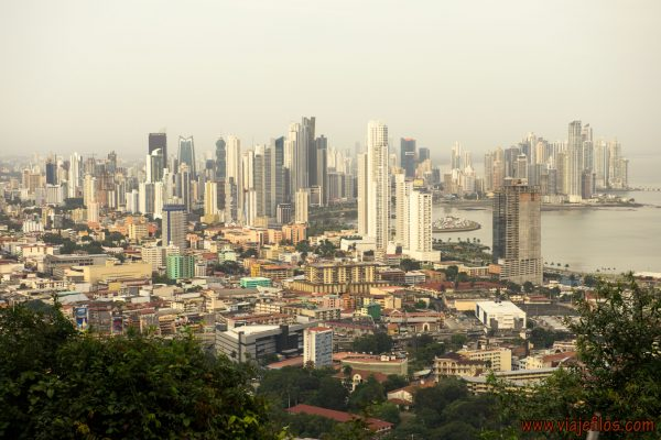 04 Viajefilos en Panama, Cerro Ancon 05