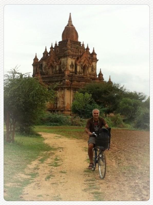 Transporte en bicicleta por Bagan