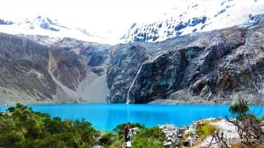 Lago azul no Peru - Laguna 69 em Huaraz