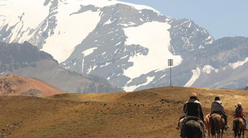 Valle Nevado, no Chile, também oferece atividades no Verão, como hiking e cavalgada