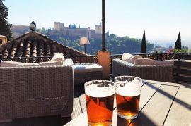 Viajeros Infrecuentes - Cañas con vistas a la Alhambra