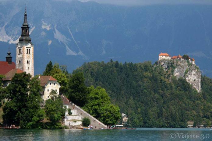 iglesia y castillo del lago Bled