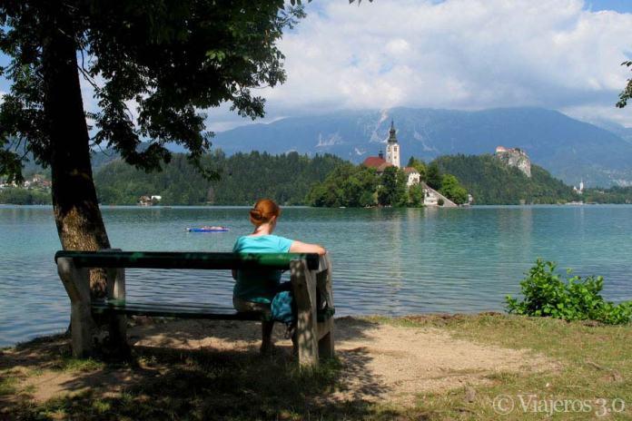 Paseo por el lago Bled, uno de los lugares más bonitos de Eslovenia.