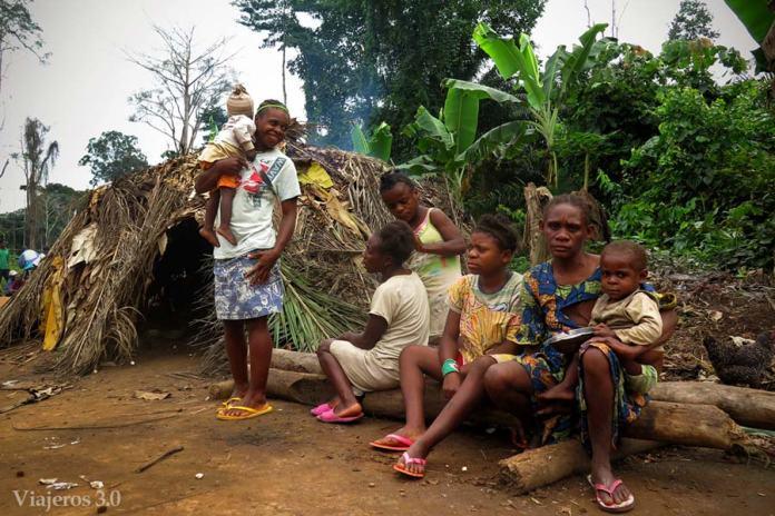 pigmeos baka Camerún