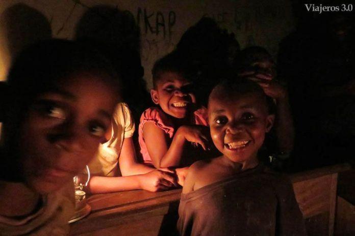 infancia pigmeos de Camerún
