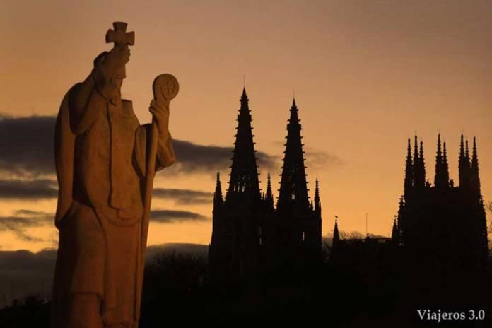 puesta de sol, visitar la catedral de Burgos gratis