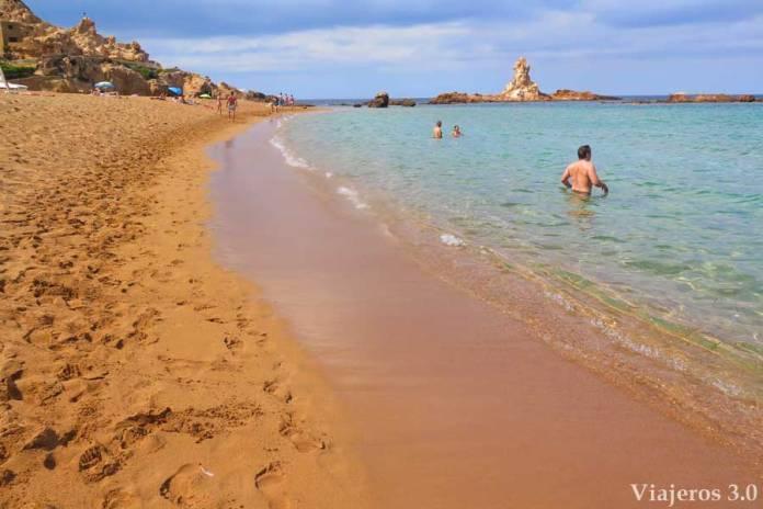la salvaje Cala Pregonda en Menorca