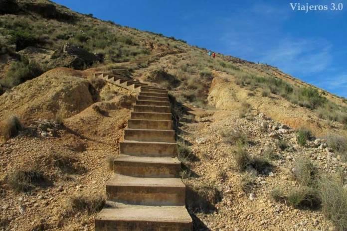 escaleras de acceso al mirador del Cabezo de las Cortinillas