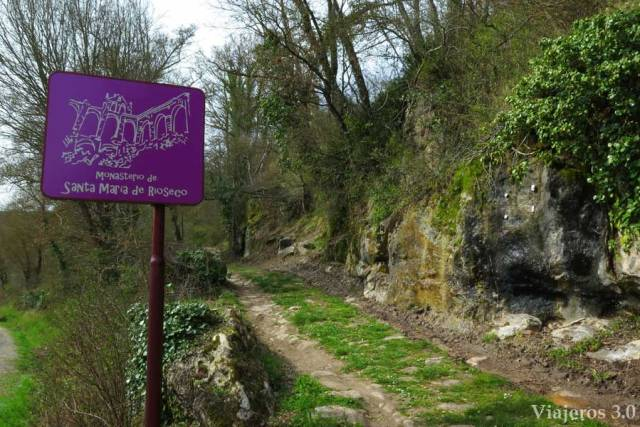 acceso peatonal al Monasterio de Rioseco