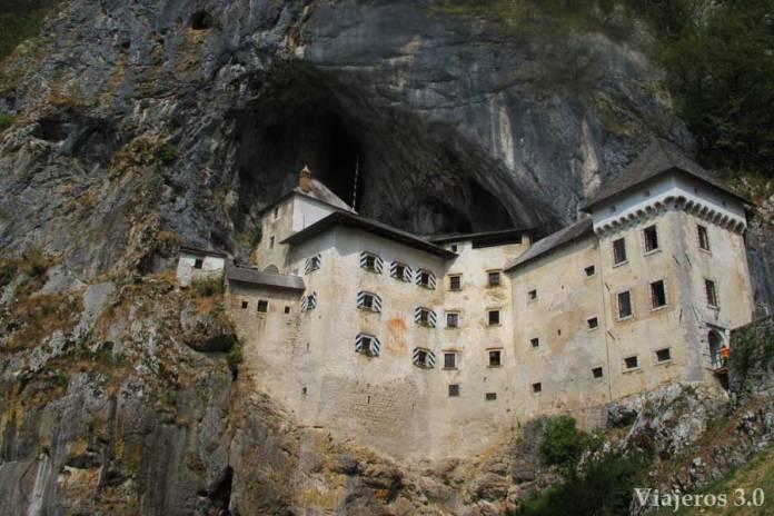 Castillo de Predjama, ruta por Croacia y Eslovenia