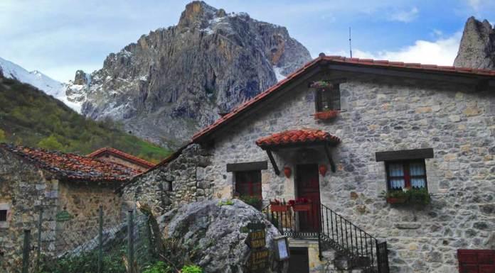 pueblo de Bulnes, casas con encanto
