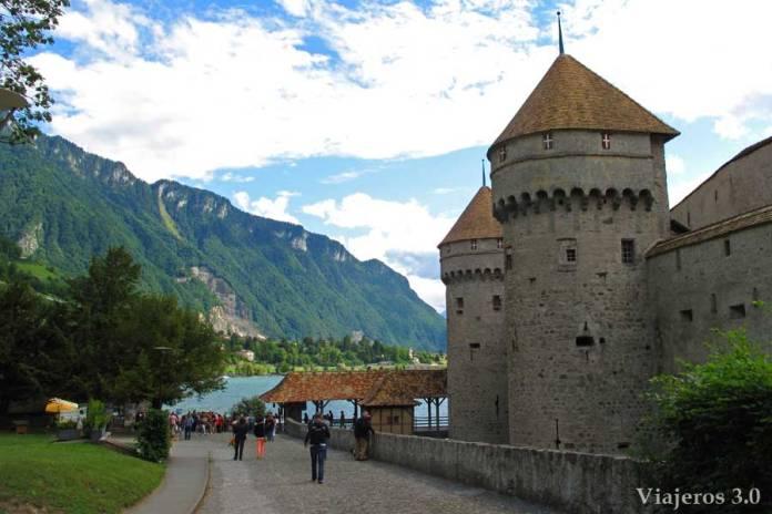 vista general del castillo de Chillon en Suiza