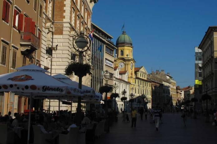 centro histórico de Rijeka en Croacia
