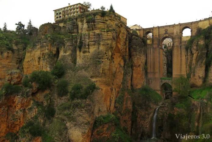Puente Nuevo desde el camino de los Molinos en Ronda