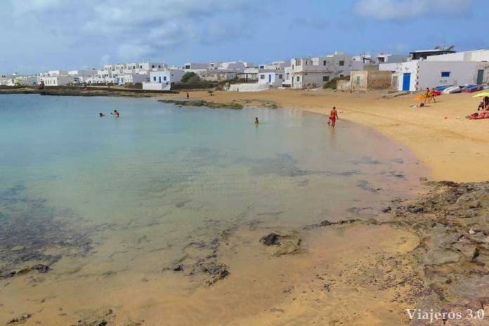 playa de Laja en Caleta de Sebo, isla de La Graciosa