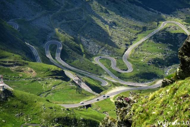 Conducir en la Transfagarasan en Rumanía