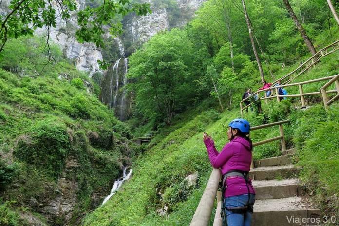 cascada de Aguasaliu en Hotel Puente Vidosa