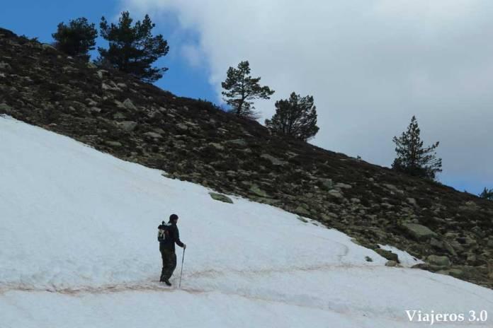Neveros en la subida al pico Urbión