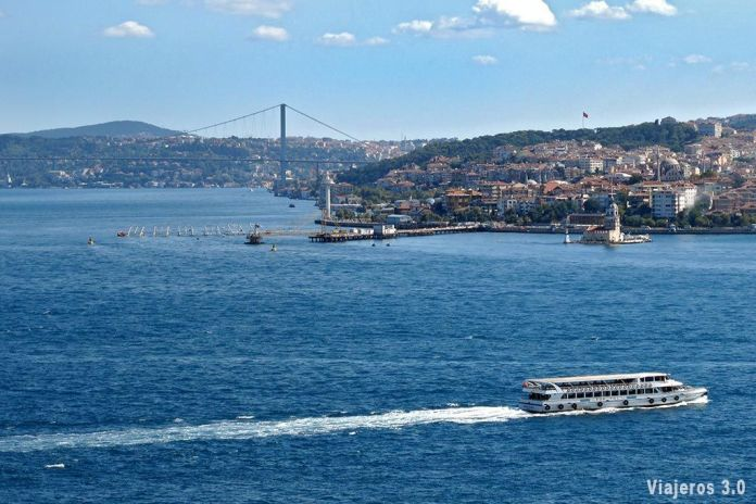 Cómo llegar del aeropuerto al centro de Estambul en transporte público.