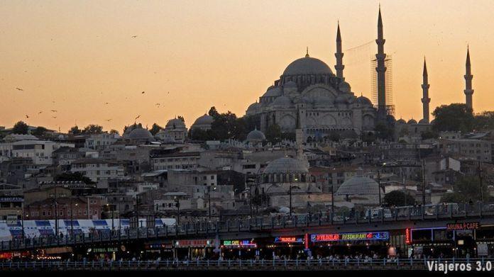 Cómo llegar del aeropuerto al centro de Estambul en transporte
