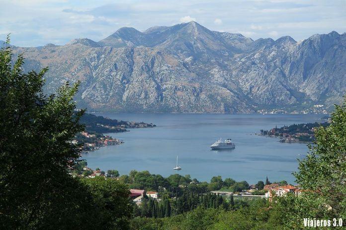 vistas panorámicas en la ruta por la Bahía de Kotor