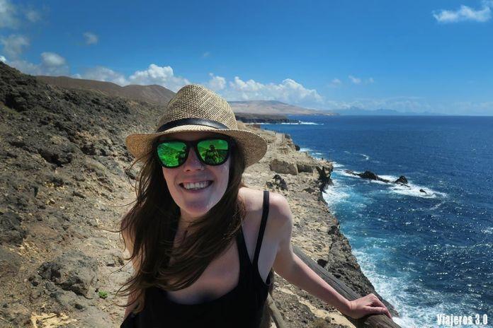 Rebeca Serna de Viajeros 3.0 en las mejores playas de Fuerteventura