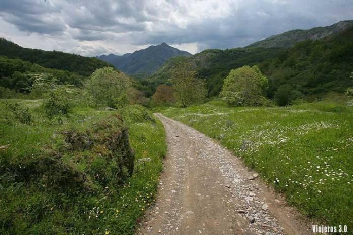 praderas, senderismo en el Valle de Sajambre