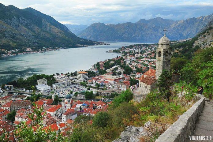 vistas desde las murallas de Kotor