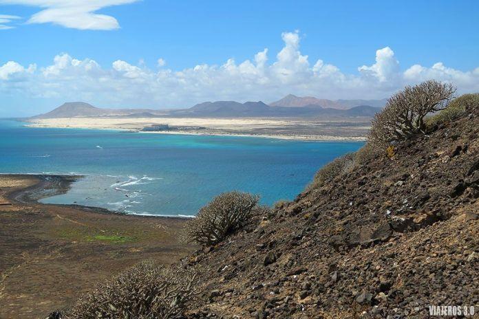 vistas de Fuerteventura desde la isla de Lobos