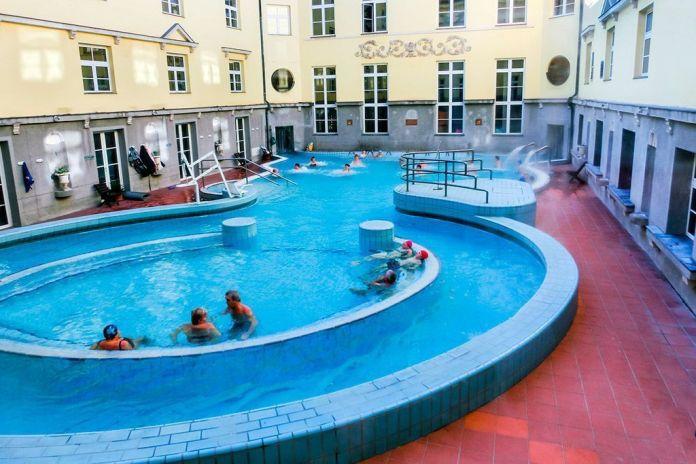 Piscinas de los baños Lukacs, Los mejores baños y balnearios de Budapest