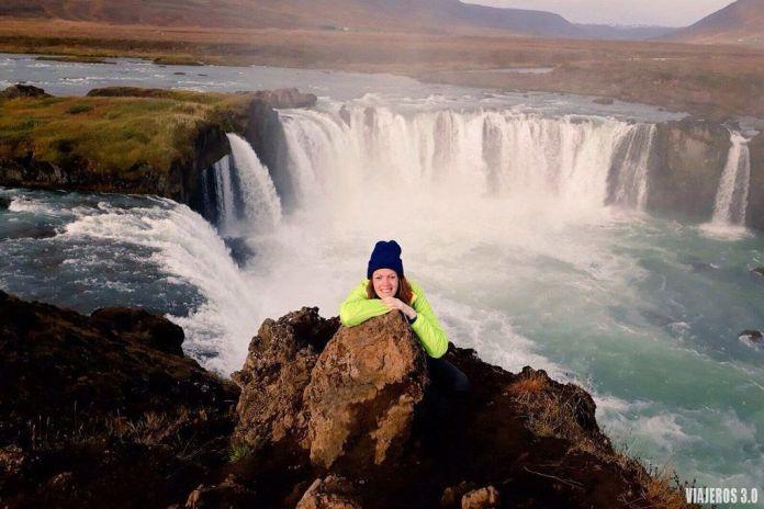 cascada Godafoss, ruta por Islandia