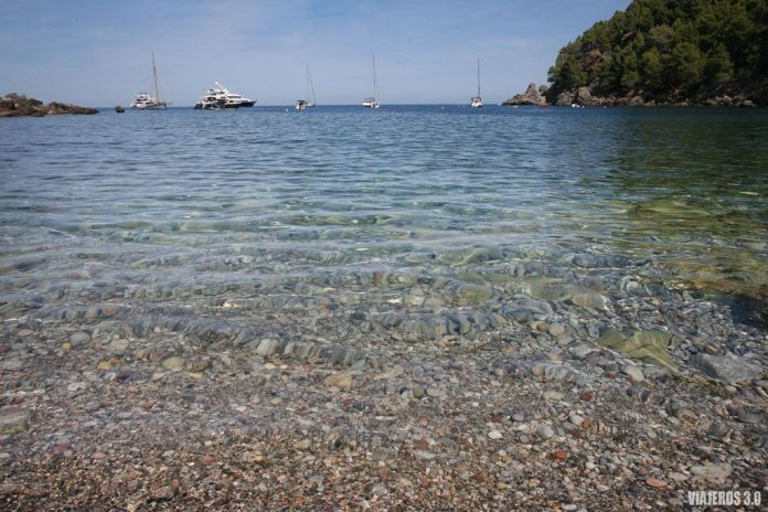 Cala Tuent en la Sierra de Tramontana, las mejores playas de Mallorca