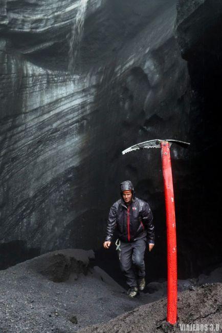 Visitar una cueva de hielo en Islandia