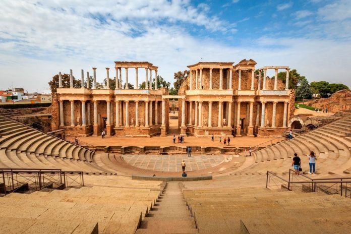 Teatro romano de Mérida, los mejores monumentos de España.