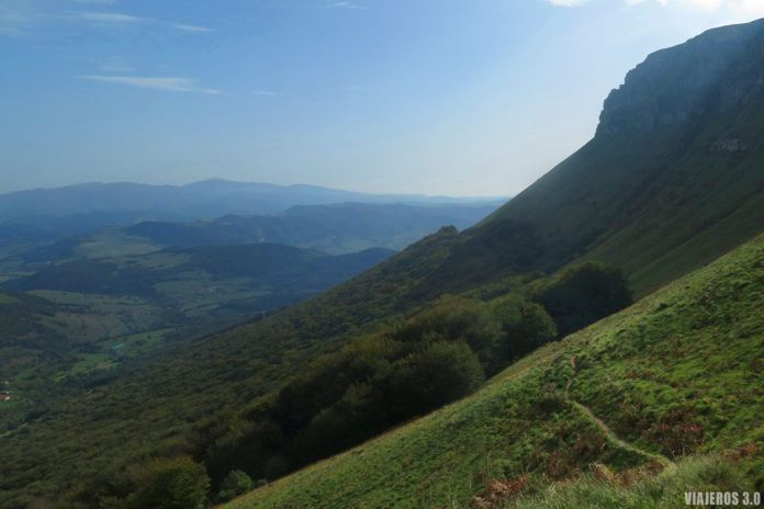 Senda Negra, Ruta de ascensión al Pico Tologorri, Sierra Salvada.