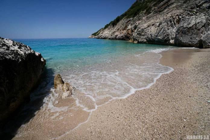 Jale Beach, calas y playas en Albania