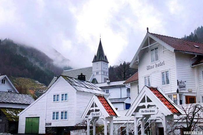 Utne, ruta por el fiordo de Hardanger, Noruega.