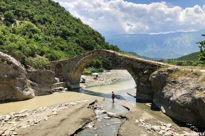 Parque Nacional Abeto de Hotova.